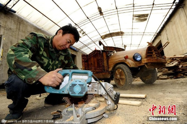 China wooden electric car t2