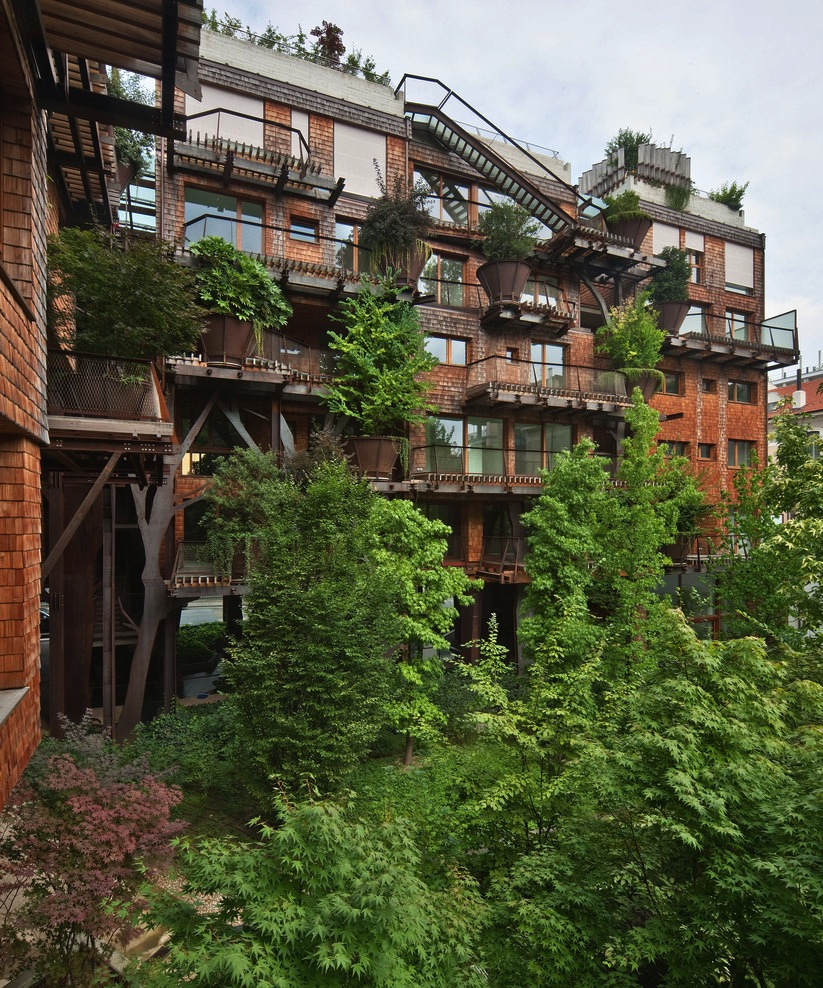 treehouse apartment 4