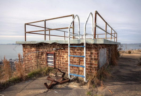 abandoned swimming pool 1