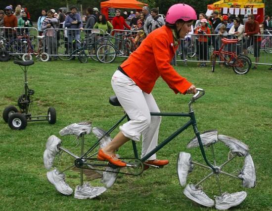 bizarre bikes walking 3