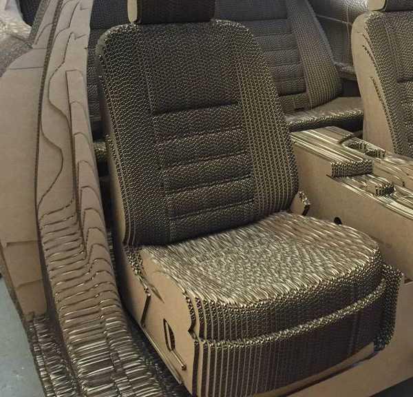 Lexus-cardboard-car-10