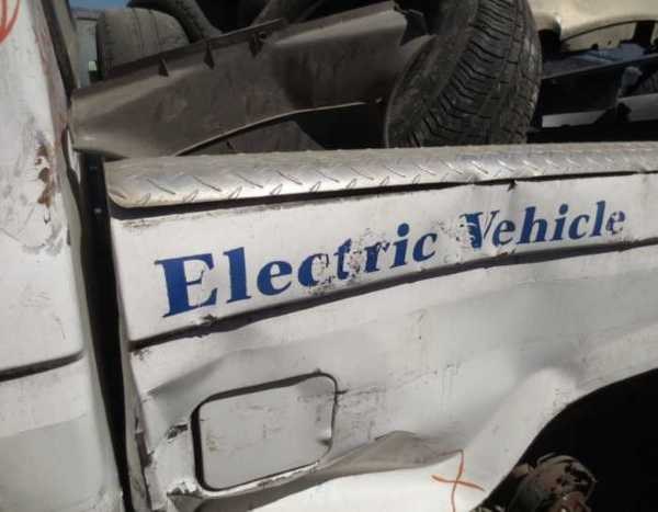 abandoned-electric-car-ranger1b
