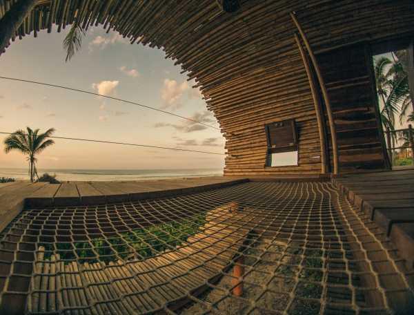 cylindrical-treehouse-12