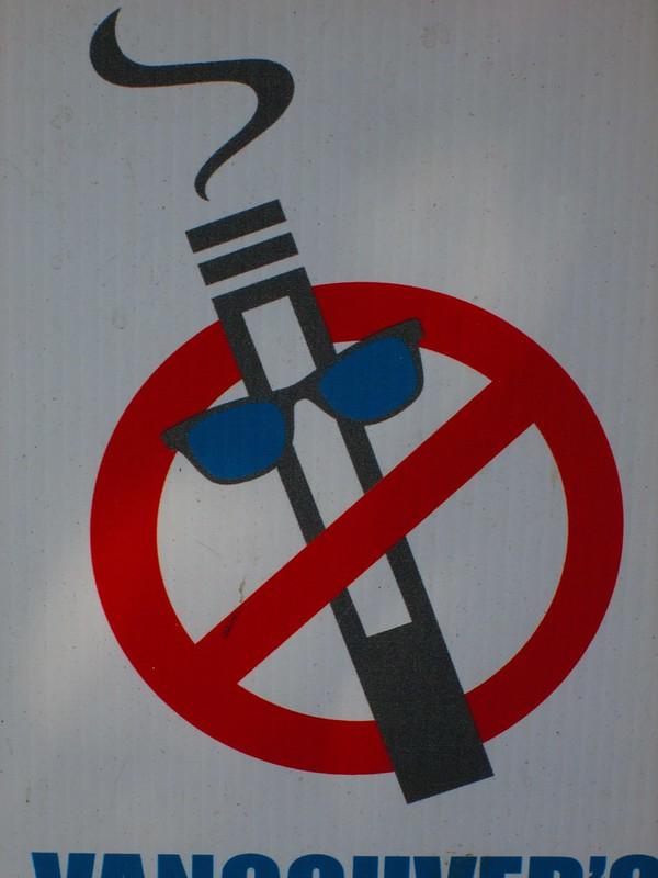 Cigarette Service: 12 More Nifty No Smoking Signs